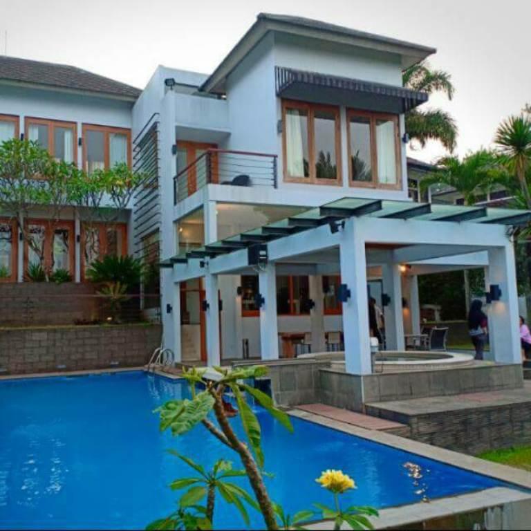 Liburan dan Menginap   di Villa Kampung Daun Lembang