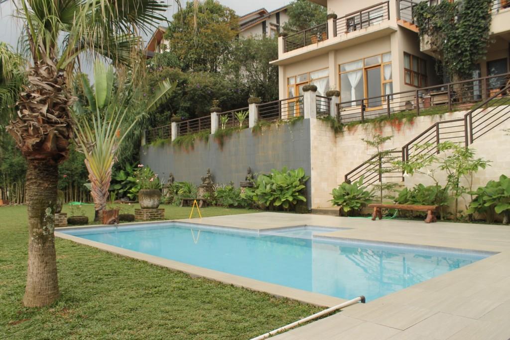 Villa Istana Bunga Halaman Luas